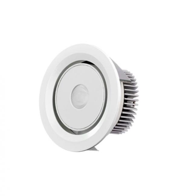 Spot Light, vers le bas la lumière, repérer bas de la lumière, de la lumière au plafond, des spots LED